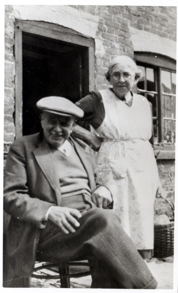 Joseph Carter 1877-1959 and Mary Maria Carter (née Mary Maria Maplethorpe 1878-1964) Outside their cottage at Marton, Gainsborough, Lincolnshire