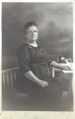 "2009-01-29-19-40-50-00 -- Ellen Ashforth (née Ellen Tomlinson 1855-1943) <a href=""http://familyhistoryjournal.com/?s=Ellen+Tomlinson+Ashforth"">Read more...</a>"