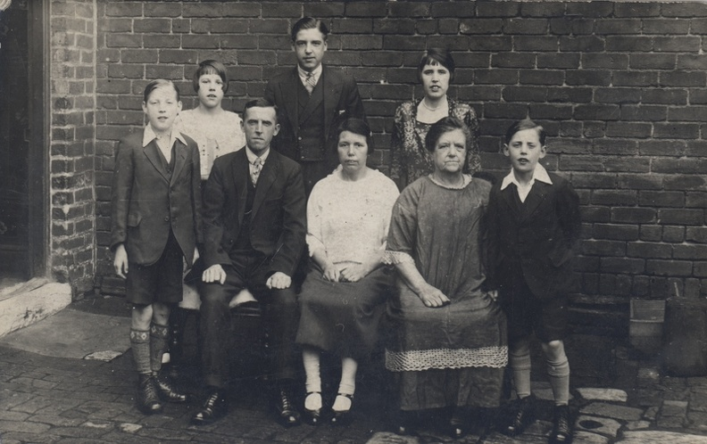 Family Group: Ashforth ~ Renwick