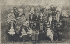 2007-02-05-22-43-51-00 -- Front row 4th from right Elizabeth Wild (née Flowers) 1867-Deceased