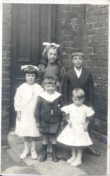 "Clara Renwick, Jessie Renwick, Robert Renwick, Ernest Renwick and Frank Renwick <a href=""http://familyhistoryjournal.com/?s=Renwick"">Read more...</a>"