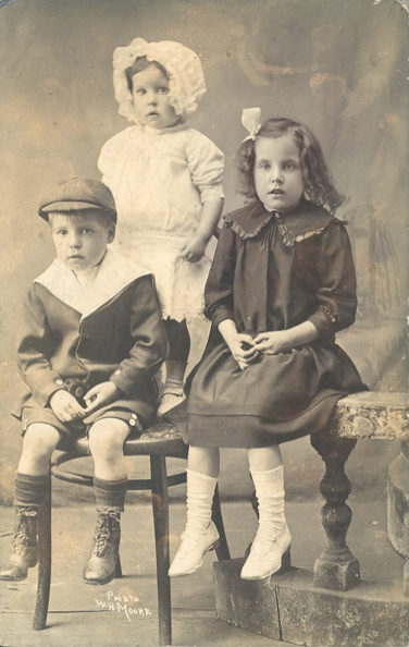 Harry Renwick, Clara Renwick and Jessie Renwick