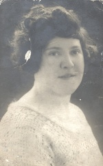 2011-12-23-22-17-24-00 -- Annie Elizabeth Withall (née Annie Elizabeth Ellis 1902-Deceased)