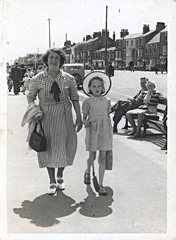 2017-01-13-13-11-27-00 -- Emily Bellamy (née Emily Ellis 1883-1978) and Gloria Knapton