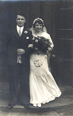 2017-01-13-15-07-29-00 -- Albert Bellamy 1911-Deceased and Ivy Bellamy (née Ivy Beatson)