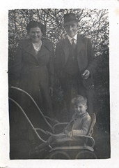 2017-01-13-16-54-18-00 -- Ivy Jacklin (née Ivy Dixon 1901-1983), Wilfred Jacklin 1896-1967 and Neil Jacklin
