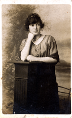 2017-01-14-14-26-24-00 -- Emily Ashforth (née Emily Bellamy 1903-1992)