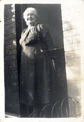 2017-01-16-15-50-01-00 -- Florence Ashforth (née Florence Flowers 1876-1973)